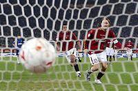 Roma 7/3/2004 24ema giornata Campionato italiano Serie A 2003/2004  Roma Inter 4-1 <br /> Il gol di Francesco Totti su calcio di rigore<br /> Francesco Totti scores the penalty of 3-1 for AS Roma<br /> Foto Andrea Staccioli Insidefoto