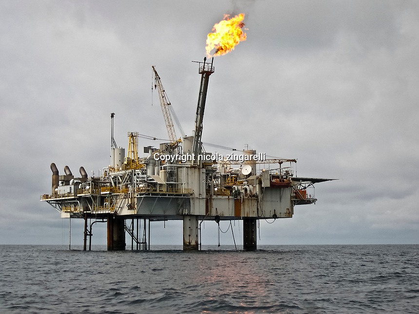 Along the coast of Gabon, over the muddy bottoms stands a relevant number of gas and oil rigs