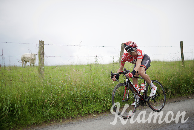 Maxime Monfort (BEL/Lotto-Soudal) checking for the others' position on the tricky descent of La Redoute<br /> <br /> stage 4: Hotel Verviers - La Gileppe (Jalhay/BEL) 186km <br /> 30th Ster ZLM Toer 2016