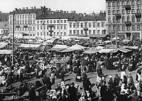 Market at Intercession square. Sankt-Petersburg. March 28, 1914. / Рынок на Покровской площади. Санкт-Петербург. 28 марта 1914.