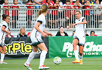 Boyds, MD - Saturday May 07, 2016: Portland Thorns FC midfielder Allie Long (10) during a regular season National Women's Soccer League (NWSL) match at Maureen Hendricks Field, Maryland SoccerPlex. Washington Spirit tied the Portland Thorns 0-0.