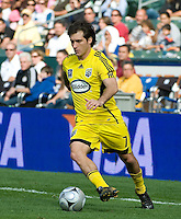 Guillermo Barros Schelotto carries the ball, .MLS Cup 2008, Columbus Crew vs New York Red Bulls, Sunday, November 23, 2008.