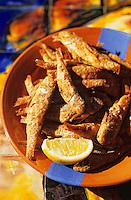 """Europe/France/Languedoc-Roussillon/66/Pyrénées-Orientales/Collioure: café restaurant """"Les Templiers"""", friture de petits rougets"""