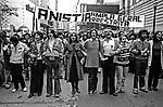 Passeata do Movimento pela Anistia. Eva Wilma, Renato Consorte, Carlos Augusto Strazzer, Denise Del Vecchio. SP. 1979. Foto de Juca Martins.