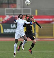 France U19 - Belgium U19 : airduel between Julie Biesmans (right) and Aminata Diallo (left).foto DAVID CATRY / Nikonpro.be