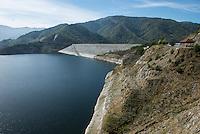 TURKEY, Mengen, Köprübaşı HEPP, hydro power station of Yueksel Holding / TUERKEI, Mengen, Köprübaşı HEPP, Wasserkraftwerk der Yueksel Holdung, Staudamm und Stausee