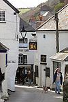 Grossbritannien, England, Cornwall, Port Isaac: Gasse im Ortszentrum | Great Britain, England, Cornwall, Port Isaac: Village street scene