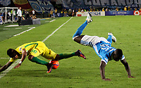BOGOTA -COLOMBIA, 7-06-2017. Deiver Machado player of Millonarios fights the ball  agaisnt of  Arley Rodriguez player of Atletico Nacional .Action game between  Millonarios  and Atletico Nacional during match for quarter finals of the Aguila League I 2017 played at Nemesio Camacho El Campin stadium . Photo:VizzorImage / Felipe Caicedo  / Staff