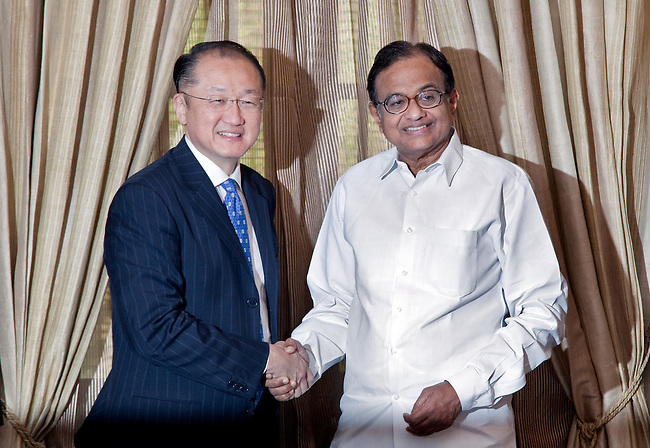 11 March 2013, New Delhi, India: President of the World Bank, Mr Jim Yong Kim (left) shakes hands with Palaniappan Chidambaram  Union Minister of Finance of the Republic of India. Mr.Kim is visiting India  for meetings with local staff, Indian Government Ministers and to inspect projects sponsored by World Bank in regional areas. Picture by Graham Crouch/World Bank