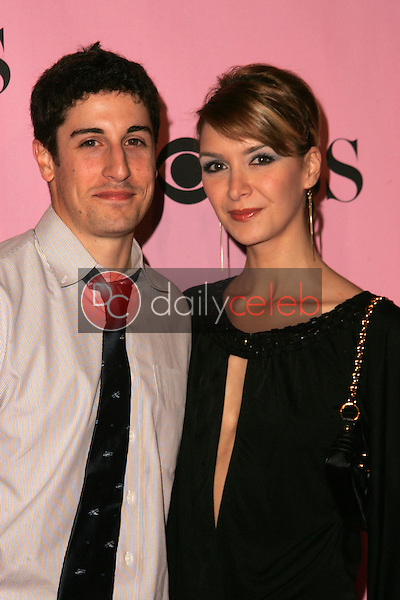 Jason Biggs and guest<br />arriving at The Victoria's Secret Fashion Show. Kodak Theatre, Hollywood, CA. 11-16-06<br />Dave Edwards/DailyCeleb.com 818-249-4998