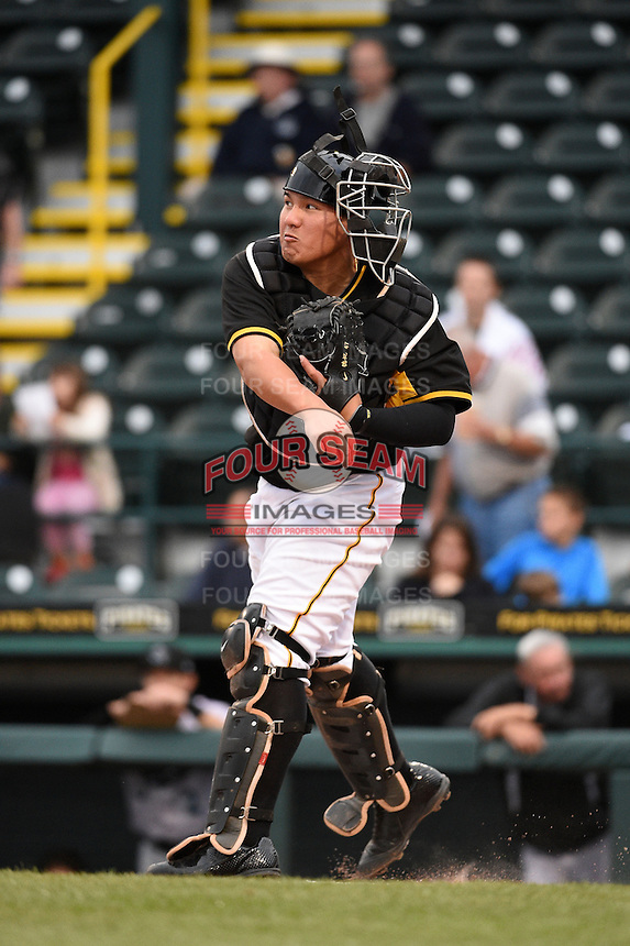 Bradenton Marauders catcher Jin-De Jhang (47) throws down to second in between innings during a game against the Jupiter Hammerheads on April 19, 2014 at McKechnie Field in Bradenton, Florida.  Bradenton defeated Jupiter 4-0.  (Mike Janes/Four Seam Images)