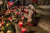 Gedenken am 2.Jahrestag des Terroranschlag durch den islamistischen Terroristen Anis Amri auf den Weihnachtsmarkt am Berliner Breitscheidplatz am 19. Dezember 2016.<br /> 19.12.2018, Berlin<br /> Copyright: Christian-Ditsch.de<br /> [Inhaltsveraendernde Manipulation des Fotos nur nach ausdruecklicher Genehmigung des Fotografen. Vereinbarungen ueber Abtretung von Persoenlichkeitsrechten/Model Release der abgebildeten Person/Personen liegen nicht vor. NO MODEL RELEASE! Nur fuer Redaktionelle Zwecke. Don't publish without copyright Christian-Ditsch.de, Veroeffentlichung nur mit Fotografennennung, sowie gegen Honorar, MwSt. und Beleg. Konto: I N G - D i B a, IBAN DE58500105175400192269, BIC INGDDEFFXXX, Kontakt: post@christian-ditsch.de<br /> Bei der Bearbeitung der Dateiinformationen darf die Urheberkennzeichnung in den EXIF- und  IPTC-Daten nicht entfernt werden, diese sind in digitalen Medien nach §95c UrhG rechtlich geschuetzt. Der Urhebervermerk wird gemaess §13 UrhG verlangt.]