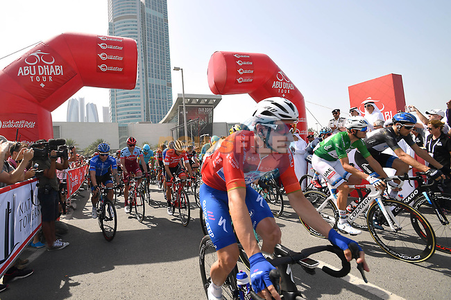 The jersey holders start Stage 3 of the 2018 Abu Dhabi Tour, Nation Towers Stage running 133km from Nation Towers to Big Flag, Abu Dhabi, United Arab Emirates. 23rd February 2018.<br /> Picture: LaPresse/Massimo Paolone | Cyclefile<br /> <br /> <br /> All photos usage must carry mandatory copyright credit (© Cyclefile | LaPresse/Massimo Paolone)