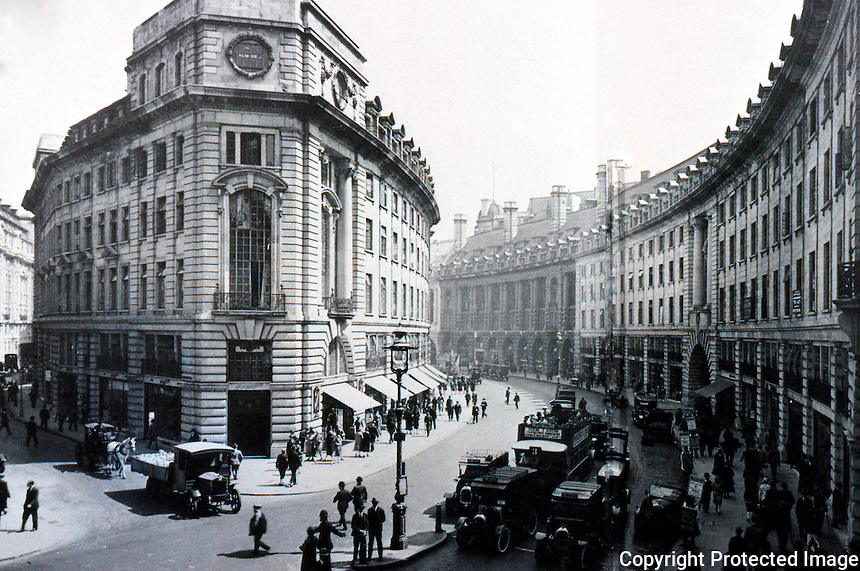 London: Regent St., 1927. Looking south, The Quadrant.