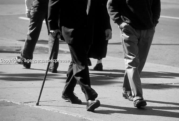 Personne agee dans les annees 90, (date inconnue vers 1998)<br /> <br /> PHOTO :  Agence Quebec Presse
