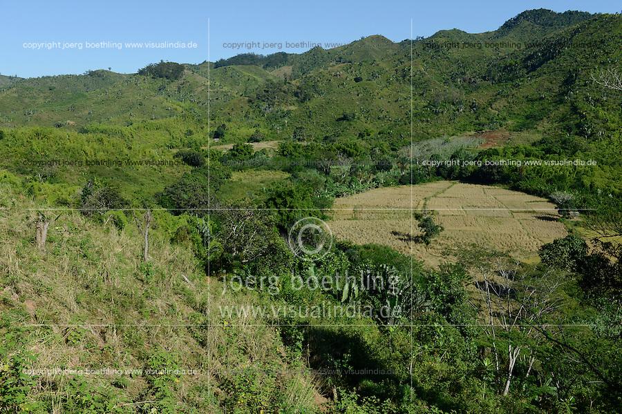 MADAGASCAR Region Mananjary, Vohilava, deforestation for farming, paddy fields / MADAGASKAR Region Mananjary, Vohilava, durch Brandrodung abgeholzte Flaechen, Reisfelder