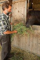 Agriculture - Luzerne sechee chez Denis BAULIER