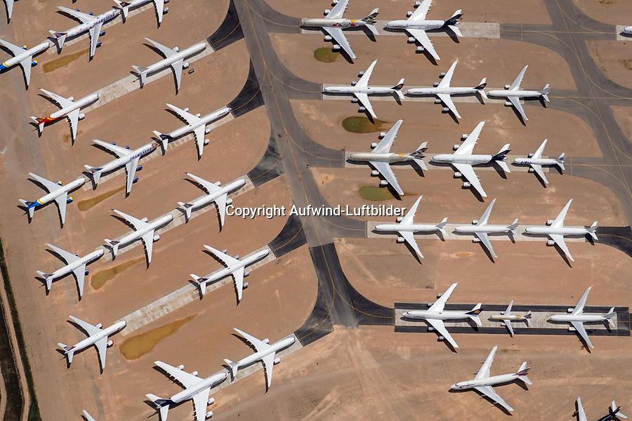 Spanien, Teruel, Flugplatz, Abstellplatz, ausrangiert, warten, COVID, Flugzeuge, Verkehrsflugzeuge, Airbus, Lufthansa, viele. Luftbild