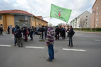Zum 75. Jahrestag der Reichspogromnacht marschierten bis zu 200 Neonazis von der NPD durch die mecklenburgische Kleinstadt Friedland und protestierten gegen ein geplantes Fluechtlingsheim.<br />Mehrere hundert Gegendemonstranten demonstrieten lautstark gegen den Aufmarsch.<br />300 Polizeibeamte sicherten den reibungslosen Ablauf der NPD-Veranstaltung.<br />9.11.2013, Berlin<br />Copyright: Christian-Ditsch.de<br />[Inhaltsveraendernde Manipulation des Fotos nur nach ausdruecklicher Genehmigung des Fotografen. Vereinbarungen ueber Abtretung von Persoenlichkeitsrechten/Model Release der abgebildeten Person/Personen liegen nicht vor. NO MODEL RELEASE! Don't publish without copyright Christian-Ditsch.de, Veroeffentlichung nur mit Fotografennennung, sowie gegen Honorar, MwSt. und Beleg. Konto:, I N G - D i B a, IBAN DE58500105175400192269, BIC INGDDEFFXXX, Kontakt: post@christian-ditsch.de<br />Urhebervermerk wird gemaess Paragraph 13 UHG verlangt.]