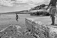 "Castro - Salento - 2013 - Serie ""Leaps"""
