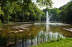 Deutschland, Bayern, Bad Aibling: Moorheilbad und Thermalbad im Rosenheimer Land, im Kurpark | Germany, Bavaria, Bad Aibling: moor spa and hot springs resort - spa gardens