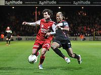 KV Kortrijk - Standard : duel tussen Gertjan De Mets en Mohammed Tchite..foto VDB / BART VANDENBROUCKE