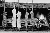 - Sardegna, ristorante tipico Su Gologone a Oliena (Nuoro), cottura delle carni alla brace<br /> <br /> - Sardinia, typical restaurant Su Gologone in Oliena (Nuoro), barbecued meats