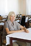 Annette Wiecken war mitgründerin des Projekts Waldorfschule in Rosia und prägt bis heute das Projekt. /  Eine der 25 Waldorfschulen Rumäniens liegt in dem fast ausschließlich von Roma bewohnten Dorf Rosia in der Mitte des Landes. Anders als in Deutschland kommen die Schüler nicht aus bürgerlichen Familien, sondern meist aus einfachen Verhältnissen.