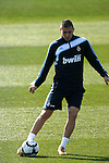 Madrid (11/03/10).-Entrenamiento del Real Madrid..Karim Benzema...© Alex Cid-Fuentes/ ALFAQUI..Madrid (11/03/10).-Training session of Real Madrid c.f..Karim Benzema...© Alex Cid-Fuentes/ ALFAQUI.