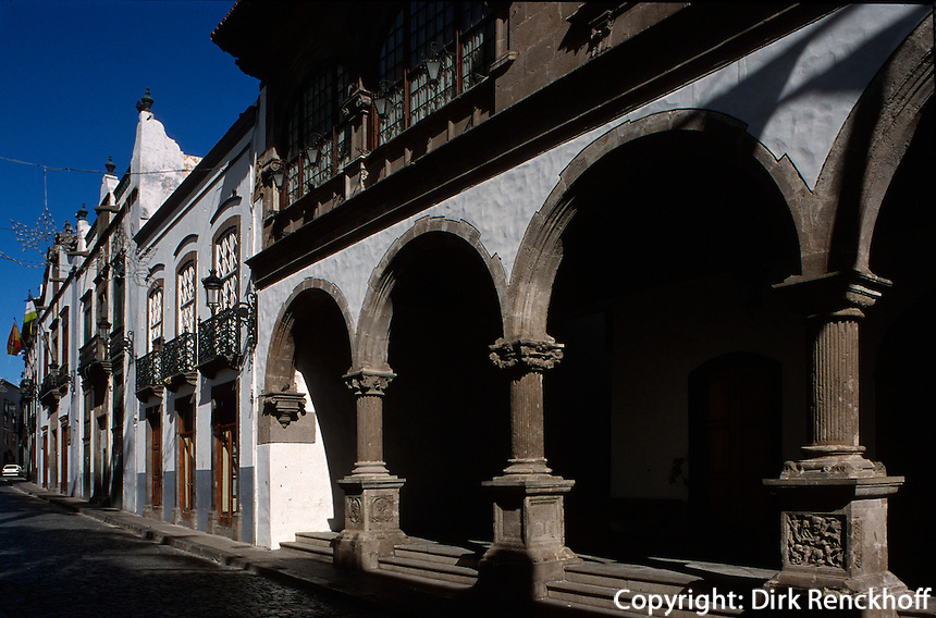 Spanien, Kanarische Inseln, La Palma,  Santa Cruz, Rathausan der Plaza España