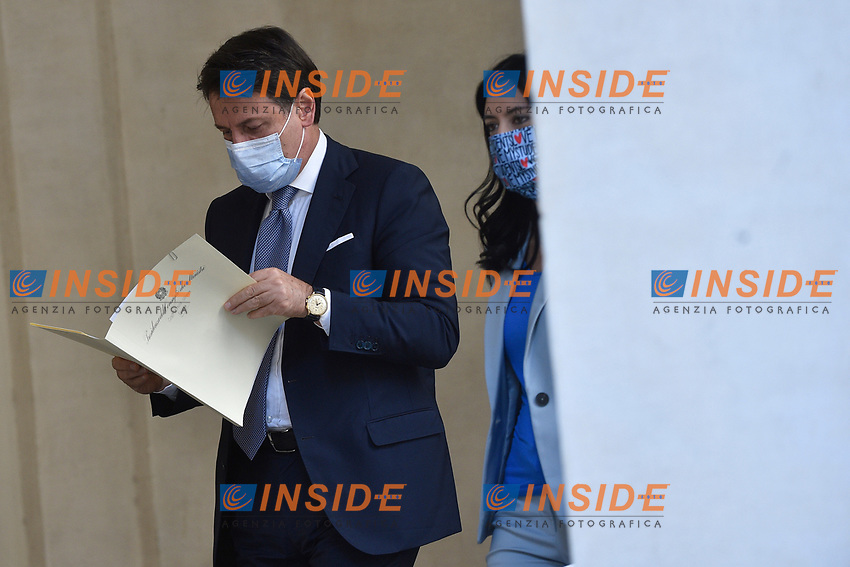 The Italian Premier Giuseppe Conte and the Minister of Instruction Lucia Azzolina wearing face masks during the press conference at Palazzo Chigi, about the measures to contrast the Covid-19 pandemic at the reopening of the schools on September 14th.<br /> Rome (Italy), September 9th 2020<br /> Photo Pool Paolo Tre Insidefoto