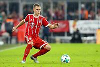 Joshua Kimmich #32 (FC Bayern Muenchen), FC Bayern Muenchen vs. FC Augsburg, Football, 1.Bundesliga, 18.11.2017 *** Local Caption *** © pixathlon<br /> Contact: +49-40-22 63 02 60 , info@pixathlon.de