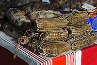 Korsische Wurst auf dem Markt auf der Place Foch in Ajaccio, Korsika, Frankreich