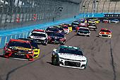 #19: Martin Truex Jr., Joe Gibbs Racing, Toyota Camry Bass Pro Shops, #9: Chase Elliott, Hendrick Motorsports, Chevrolet Camaro Unifirst
