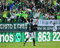 PALMIRA - COLOMBIA - 31 - 03 - 2018: Jose Sand, jugador de Deportivo Cali celebra el tercer gol de su equipo a Independiente Santa Fe, durante partido entre Deportivo Cali y el Independiente Santa Fe, de la fecha 12 por la liga Aguila I 2018, jugado en el estadio Deportivo Cali (Palmaseca) en la ciudad de Palmira. / Jose Sand, player of Deportivo Cali celebrates the third scored goal from his team to Independiente Santa Fe, during a match between Deportivo Cali and Independiente Santa Fe, of the 12th date for the Liga Aguila I 2018, at the Deportivo Cali (Palmaseca) stadium in Palmira city. Photo: VizzorImage  / Nelson Rios / Cont.