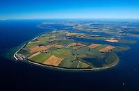 Insel Poel :EUROPA, DEUTSCHLAND, MECKLENBURG- VORPOMMERN 29.06.2005 Insel Poel ist mit 36 km² Fläche die fünftgrößte deutsche Insel, sie liegt in der südlichen Mecklenburger Bucht der Ostsee und begrenzt den Norden der Wismarer Bucht. Sie ist gleichzeitig die amtsfreie Gemeinde Insel Poel im Landkreis Nordwestmecklenburg in Mecklenburg-Vorpommern. Hauptort der Gemeinde ist Kirchdorf am Ende der tief von Süden einschneidenden Bucht Kirchsee. Neben der Wismarer Bucht im Süden wird die Insel im Osten von der Zaufe und dem Breitling sowie im Nordosten durch die Kielung vom Festland getrennt. Der Insel Poel ist im Nordosten die kleine Insel Langenwerder unmittelbar vorgelagert. Poel ist über einem befahrbaren Damm mit dem Festland (Gemeinde Blowatz, Ortsteil Strömkendorf) verbunden. Blickrichtung von Suedwest nach Nordost. Ostsee, Meer, Wasser.Luftaufnahme, Luftbild,  Luftansicht.c o p y r i g h t : A U F W I N D - L U F T B I L D E R . de.G e r t r u d - B a e u m e r - S t i e g 1 0 2, 2 1 0 3 5 H a m b u r g , G e r m a n y P h o n e + 4 9 (0) 1 7 1 - 6 8 6 6 0 6 9 E m a i l H w e i 1 @ a o l . c o m w w w . a u f w i n d - l u f t b i l d e r . d e.K o n t o : P o s t b a n k H a m b u r g .B l z : 2 0 0 1 0 0 2 0  K o n t o : 5 8 3 6 5 7 2 0 9.C o p y r i g h t n u r f u e r j o u r n a l i s t i s c h Z w e c k e, keine P e r s o e n l i c h ke i t s r e c h t e v o r h a n d e n, V e r o e f f e n t l i c h u n g n u r m i t H o n o r a r n a c h M F M, N a m e n s n e n n u n g u n d B e l e g e x e m p l a r !.