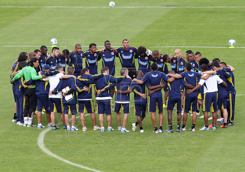 BOGOTA - COLOMBIA--31-05 -2013  .Última práctica de la selección Colombia de fútbol de mayores antes de su viaje a Buenos Aires para su  enfrentamiento con Argentina en el estadio El Campin  . (Foto: VizzorImage / Felipe Caicedo / Staff).. Last practice of selecting higher Colombia football before his trip to Buenos Aires for his clash with Argentina at El Campin<br /> VizzorImage / Felipe Caicedo / Staff