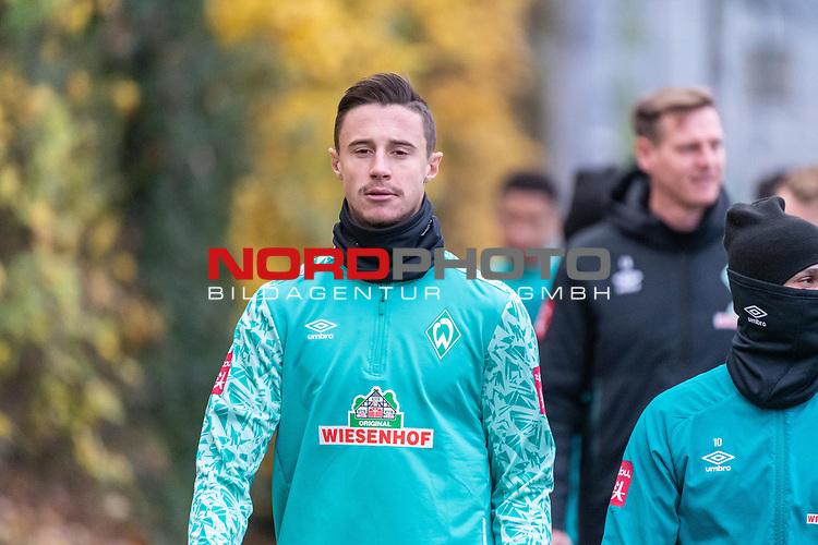 16.11.2020, Trainingsgelaende am wohninvest WESERSTADION - Platz 12, Bremen, GER, 1.FBL, Werder Bremen Training<br /> <br /> <br /> Spieler kommen zum Training mit dabei<br /> <br /> Marco Friedl (Werder Bremen #32)<br /> <br /> <br /> <br /> <br /> Foto © nordphoto / Kokenge *** Local Caption ***