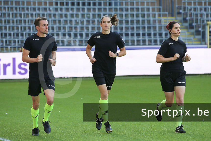 Referees warming up before a female soccer game between RSC Anderlecht Dames and Standard Femina de Liege on the sixth matchday of the 2021 - 2022 season of Belgian Womens Super League , Saturday 9 th of October 2021  in Brussels , Belgium . PHOTO SPORTPIX | SEVIL OKTEM