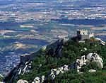 Portugal, Sintra: Blick auf das Castelo dos Mouros | Portugal, Sintra: view at Castelo dos Mouros