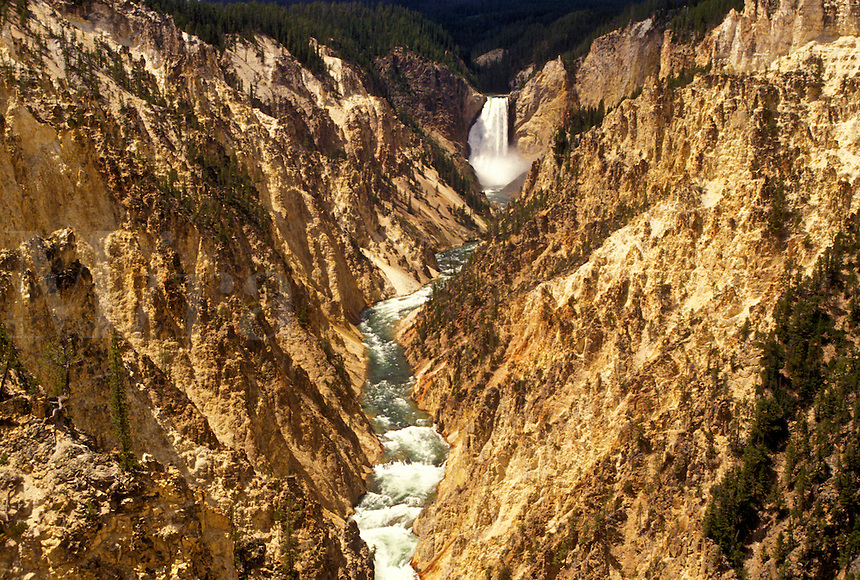 Yellowstone National Park, WY, Yellowstone River, Lower Falls, Canyon Village, Wyoming, Scenic view of Lower Falls cascading down the canyon in Canyon Village from Artist Point in Yellowstone Nat'l Park in Wyoming. The Grand Canyon of Yellowstone.