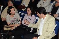 SAO PAULO, 01 DE AGOSTO DE 2012 - ELEICOES 2012 - Da direita para a esquerda os candidatos Fernando Haddad e Soninha Francine, durante campanha Copa, Olimpiadas, Eleicoes - Qual o legado para sua cidade, na manha desta quarta feira, no auditorio do sesc Consolacao, regiao central da capital. FOTO: ALEXANDRE MOREIRA - BRAZIL PHOTO PRESS