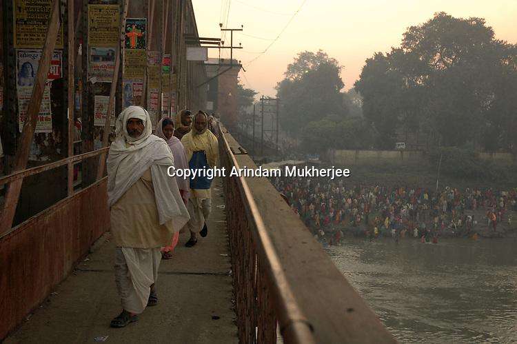Pilgrims on their way to Sonepur fair. Bihar, India, Arindam Mukherjee.