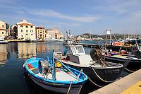 Hafen Cala Gavetta in La Maddalena, La Maddalena-Archipel (Arcipelago della Maddalena), Provinz Olbia-Tempio, Nord Sardinien, Italien