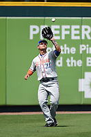 St. Lucie Mets outfielder Michael Conforto (21) catches a fly ball during a game against the Bradenton Marauders on April 12, 2015 at McKechnie Field in Bradenton, Florida.  Bradenton defeated St. Lucie 7-5.  (Mike Janes/Four Seam Images)