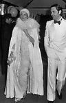 BARBARA BOUCHET CON PIETRO DELISE<br /> FESTA A TEMA ANNI 20- JACKIE O' ROMA 1974