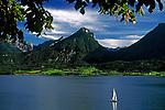 Austria, Upper Austria, Salzkammergut, Lake Wolfgang: single sailing boat
