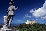 "Portugal, Sintra: Statue ""The Giant"" und Palácio da Pena | Portugal, Sintra: Statue ""The Giant"" and Palácio da Pena"