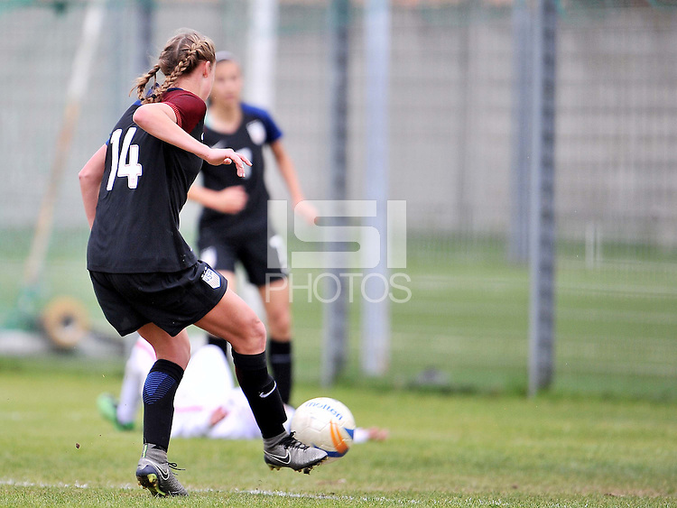 Monfalcone, Italy, April 26, 2016.<br /> USA's #14 Wingate scores the goal of 5-0 during USA v Iran football match at Gradisca Tournament of Nations (women's tournament). Monfalcone's stadium.<br /> © ph Simone Ferraro / Isiphotos