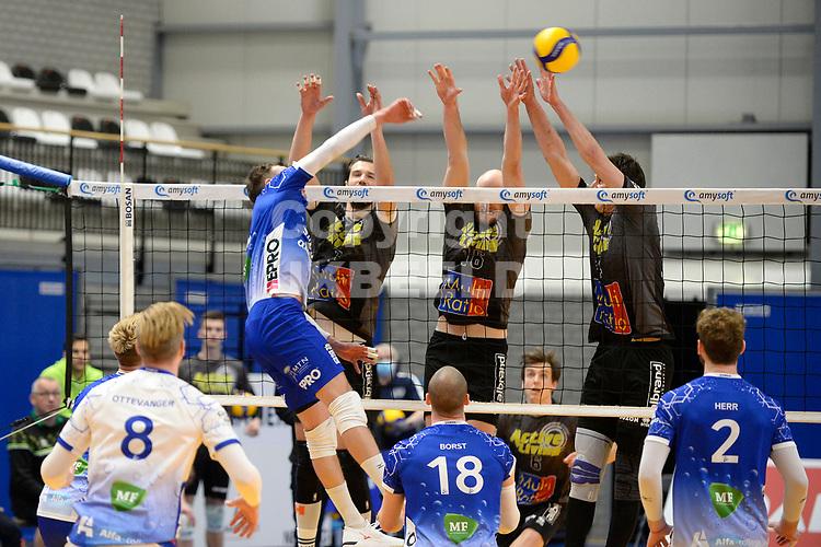 06-03-2021: Volleybal: Amysoft Lycurgus v Active Living Orion: Groningen smash Lycurgus speler Thomas - Douglass-Powell